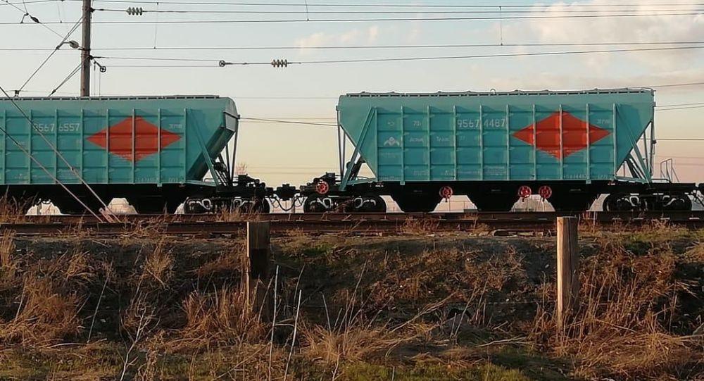 14-летний подросток погиб от удара током, забравшись на грузовой вагон