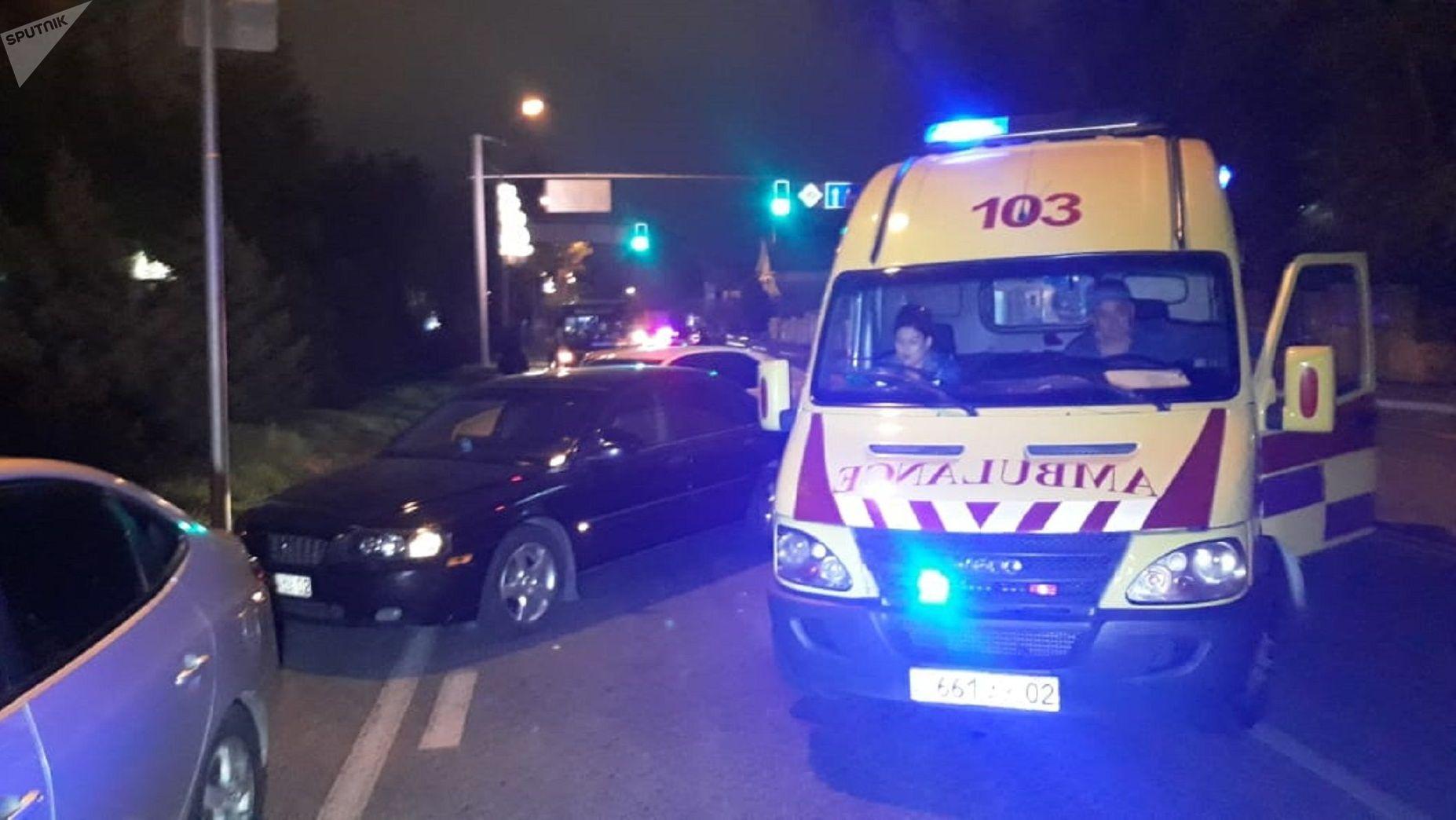 Автобус насмерть сбил двух пешеходов в Алматы