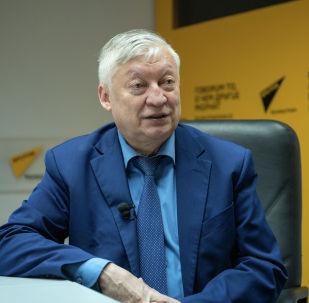 Многократный чемпион мира по шахматам Анатолий Карпов