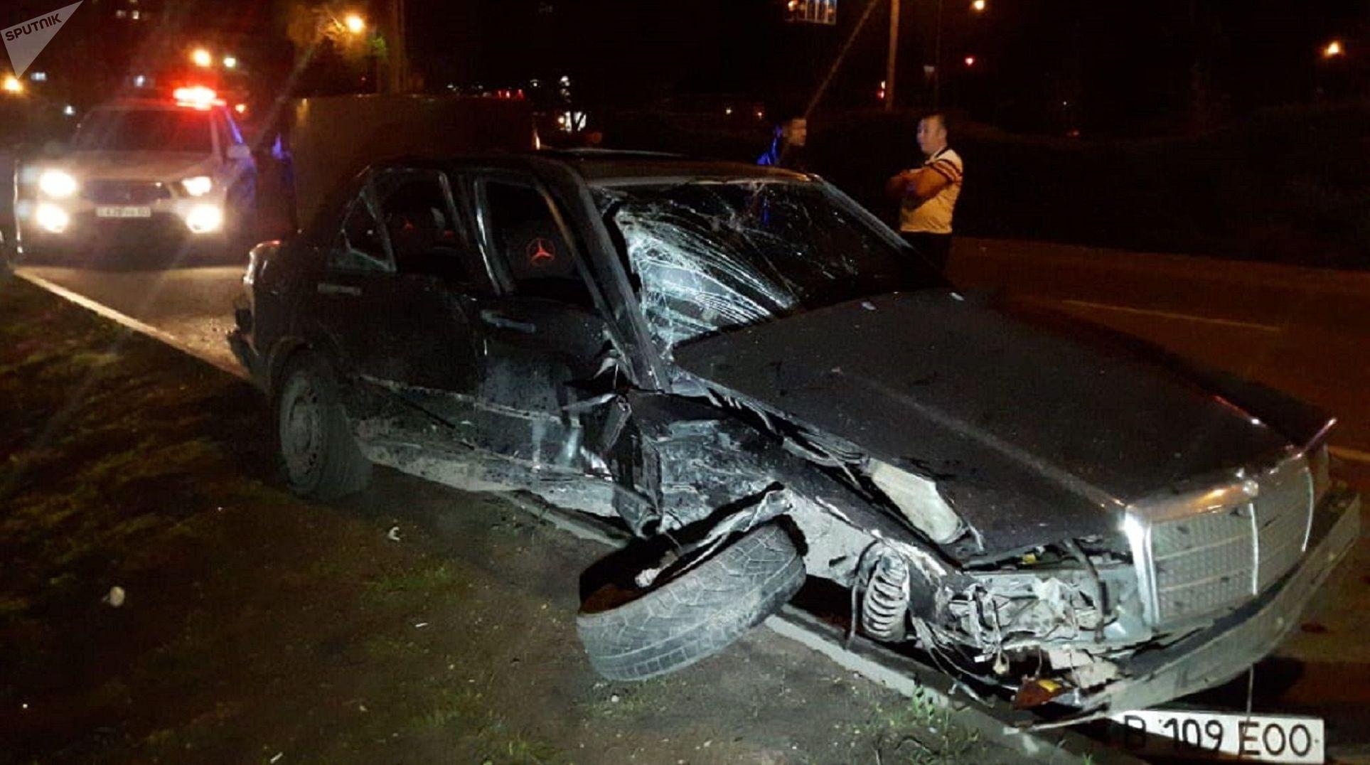 Mercedes на полном ходу врезался в Audi