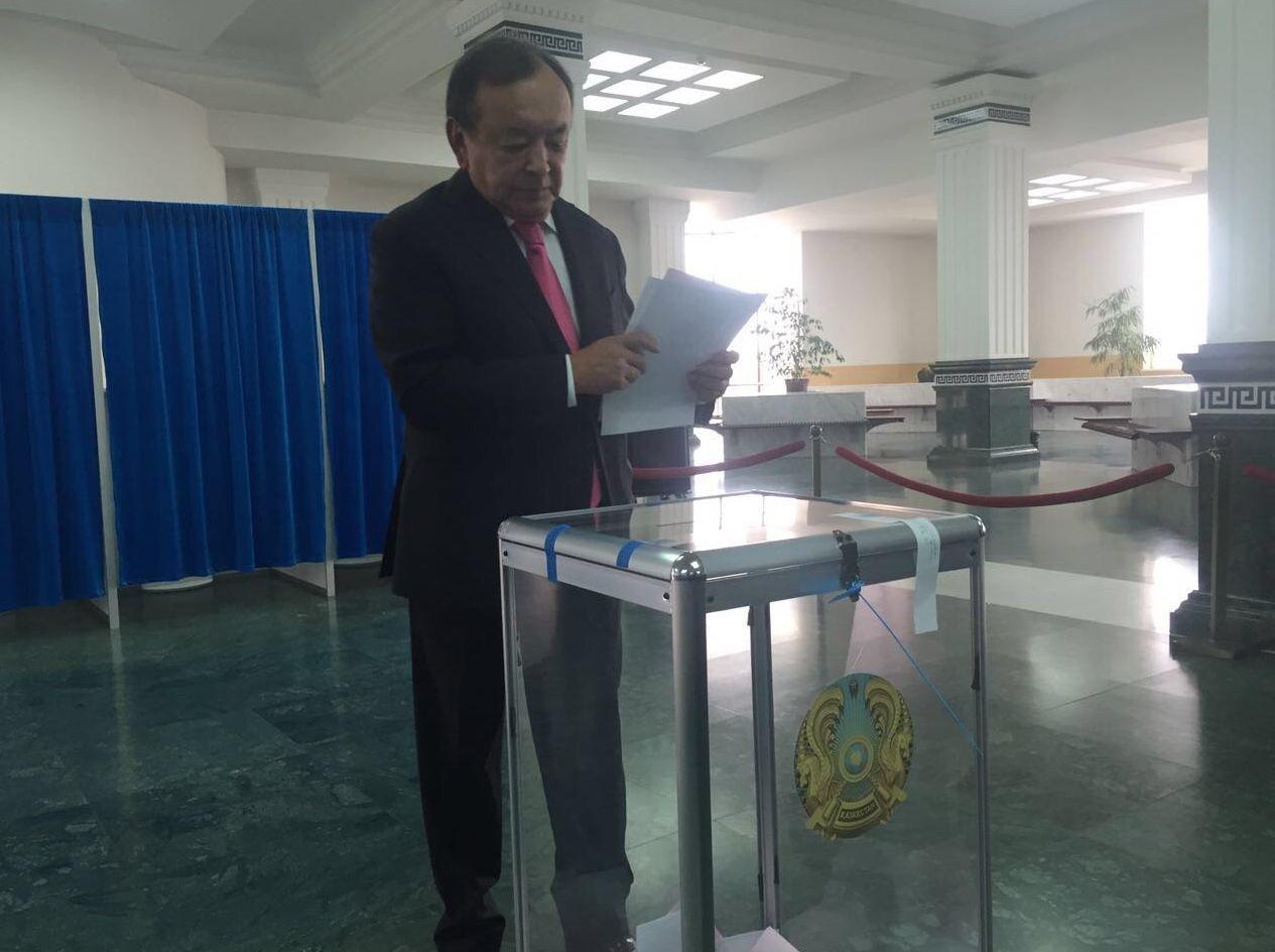 Председатель партии Бирлик Серик Султангали