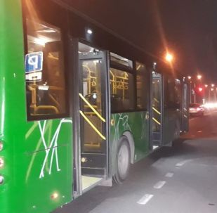 Пассажирский автобус сбил женщину, которая перебегала дорогу в неположенном месте