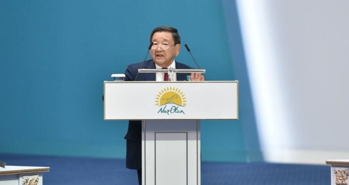 Олимпийский чемпион, герой труда Жаксылык Ушкемпиров поздравил Назарбаева