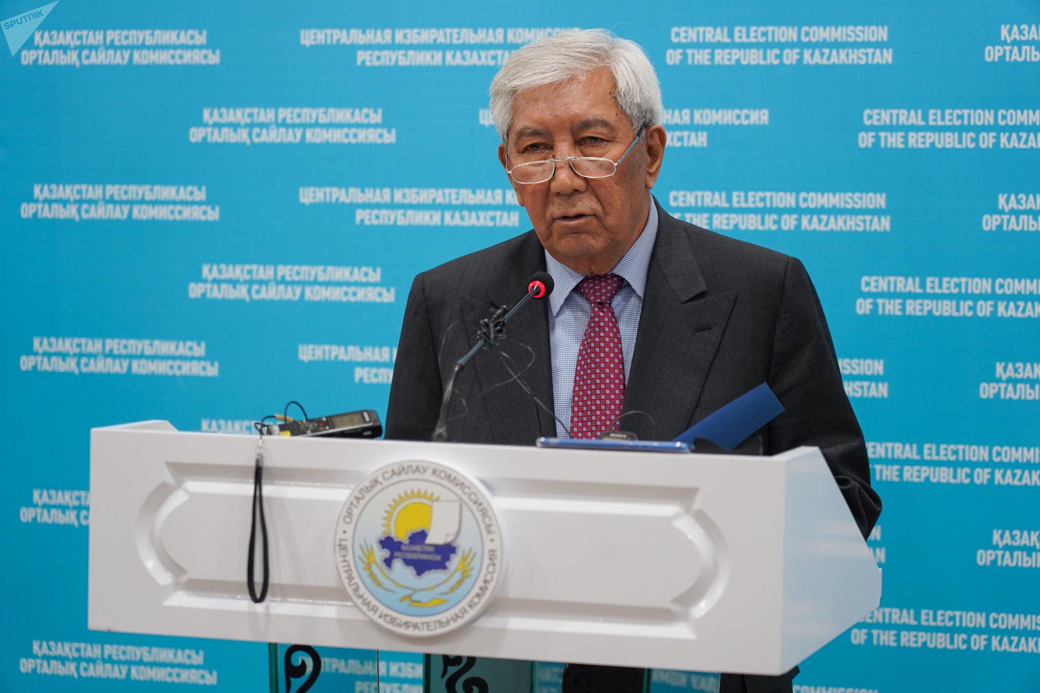 Председатель лингвистической комиссии ЦИК РК Мырзатай Жолдасбеков