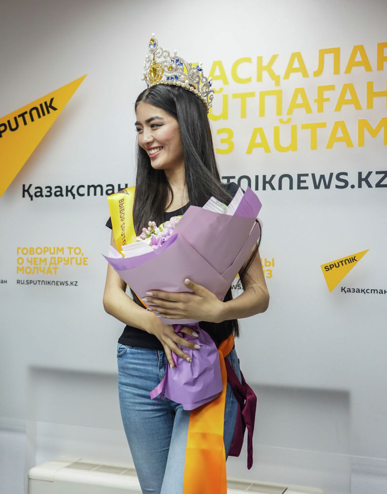 Экскурсия финалисток конкурса Мисс Казахстан 2019 редакцию Sputnik Казахстан