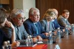 Специальный представитель президента России по Сирии Александр Лаврентьев (в центре) на встрече с делегацией Ирана