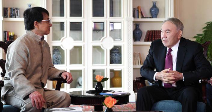 Елбасы Нұрсұлтан Назарбаев белгілі актер Джеки Чанмен кездесті