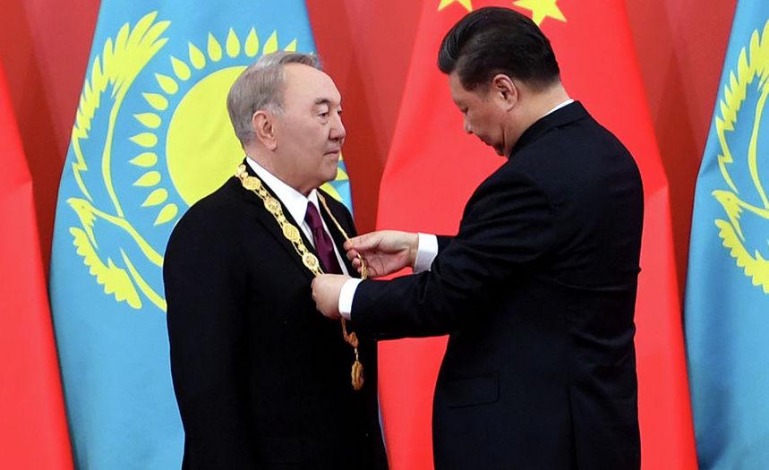 Нурсултану Назарбаеву вручили Орден Дружбы в Китае