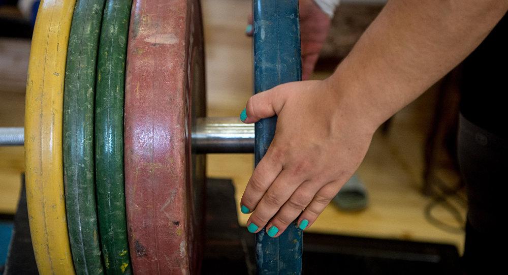 Белорусская тяжелоатлетка Марина Шкерманкова лишена олимпийской медали Игр