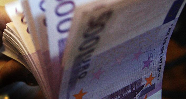 банкноты пачка деньги евро