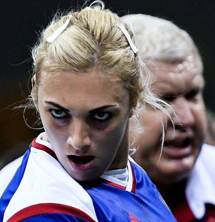 Игрок сборной России Анна Сень в матче группы В по гандболу на XXXI летних Олимпийских играх.
