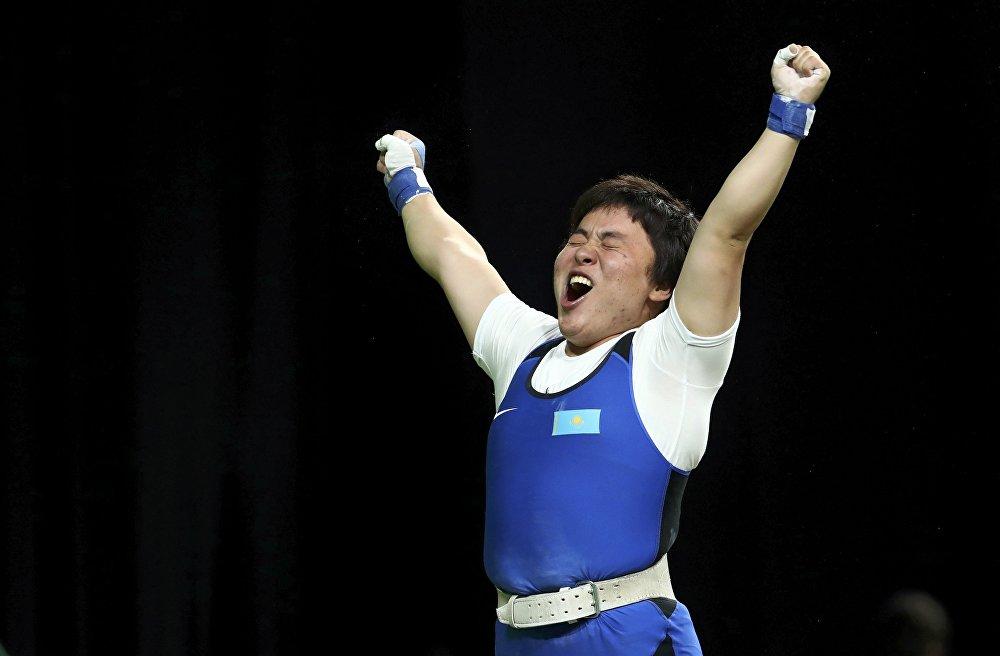 Казахстанская тяжелоатлетка Жазира Жаппаркуль