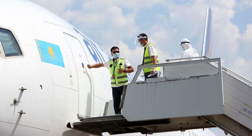 Прибывший самолет с медикаментами уже седьмой по счету в период с 10 июля