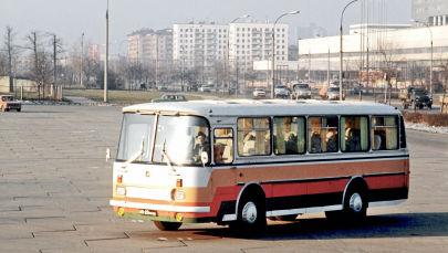 Автобус для городских и междугородных туристическо-экскурсионных перевозок, выпускаемый Львовским автобусным заводом (ЛАЗ)