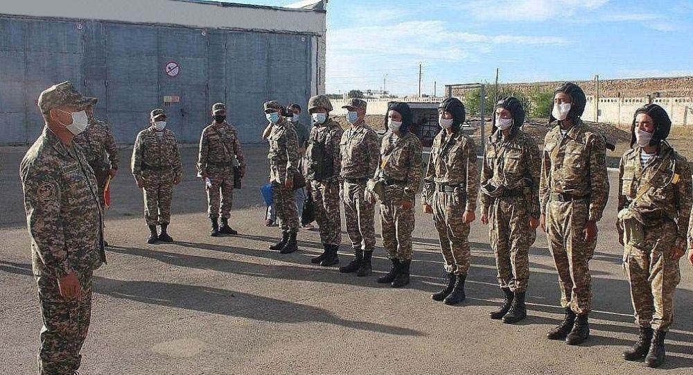 Внезапную проверку ряда воинских частей провели на юге Казахстана