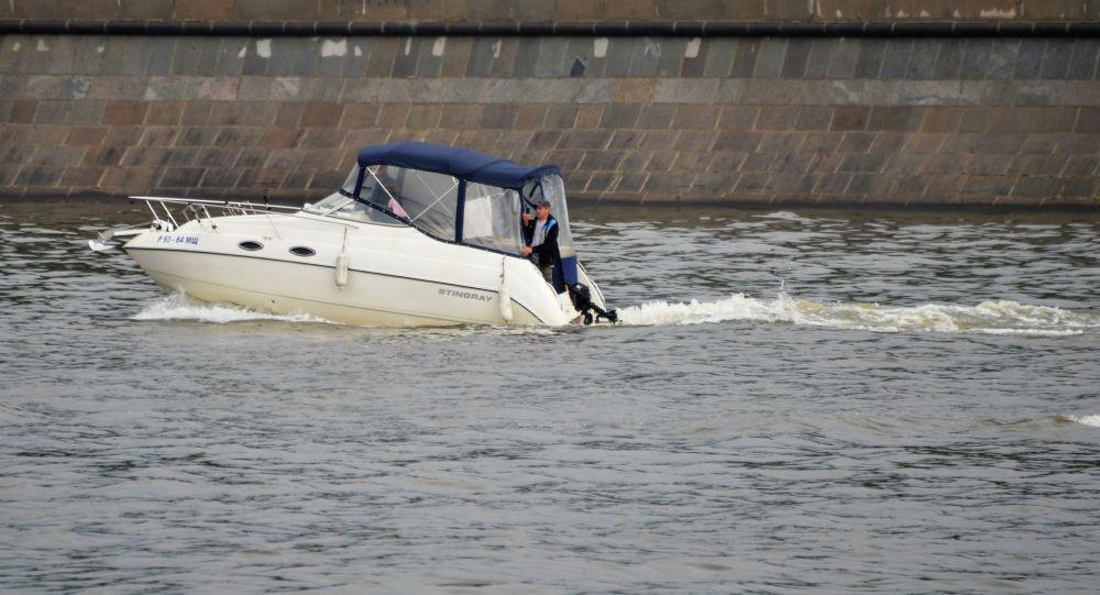 Моторная лодка, иллюстративное фото