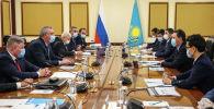 Премьер-министр Мамин мен Роскосмос басшысы Рогозиннің кездесуі