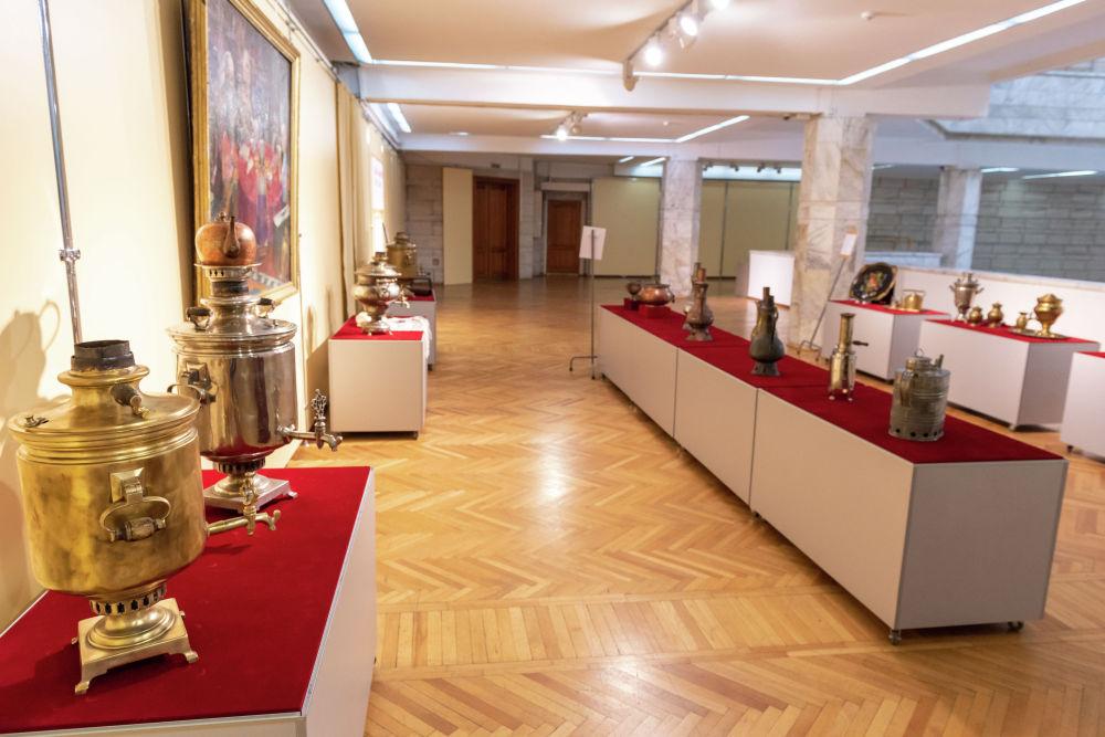 На выставке представлено около 50 экспонатов