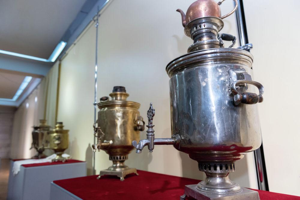 Устройства, напоминающие самовар, были известны еще в далекие античные времена