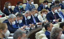 Депутаты на совместном заседании палат