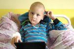 Пятилетний Максим случайно выпил в детском саду щелочь и стал инвалидом