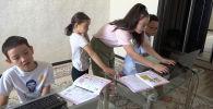 Многодетные семьи рассказали о сложностях дистанционного обучения