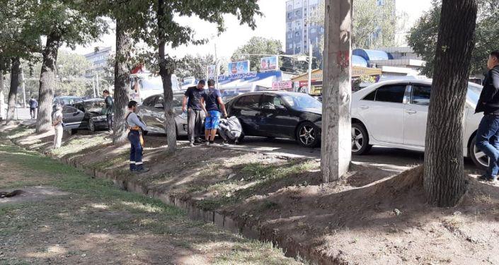 Массовое ДТП на пересечении  улиц Толеби - Ауэзова