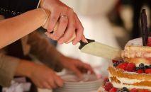 Свадебный торт, иллюстративное фото
