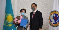 Роза Рымбаева и Бакытжан Сагинтаев
