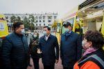 Аким Нур-Султана Алтай Кульгинов осматривает новые машины скорой помощи