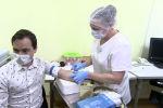 Уже третья: в России начались испытания очередной вакцины от коронавируса - видео