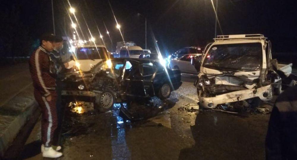 Массовое ДТП в Алматы с участием четырех машин
