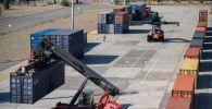 Хаб оснащен современной перегрузочной техникой, новейшей автоматизированной системой учета вагонов и контейнеров