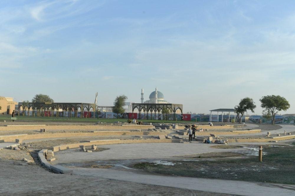 На строительстве этноаула в Туркестане