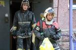 Огнеборцы спасли двоих из пожара в многоэтажке в Петропавловске