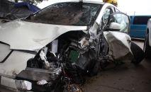 Разбитый автомобиль, иллюстративное фото