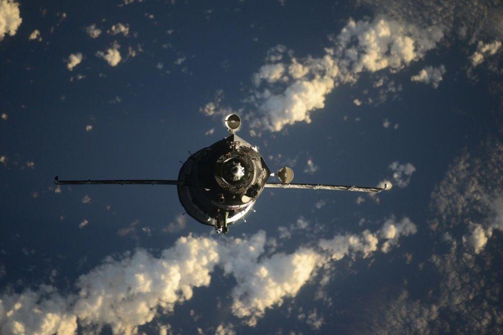 Союз МС-17 ғарыш кемесінің халықаралық ғарыш станциясымен түйісуі.