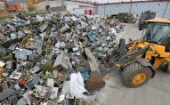 Утилизация металлолома, архивное фото