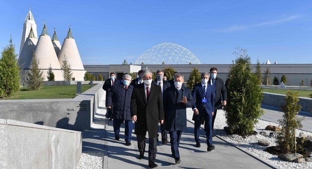 Тоқаев Абай-Шәкәрім мемориалдық кешенін аралады