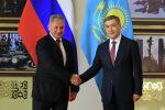 Встреча министров обороны Казахстана Нурлана Ермекбаева и России Сергея Шойгу