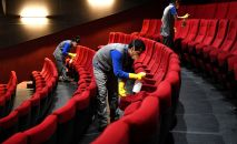 Меры профилактики коронавируса в кинотеатре, архивное фото