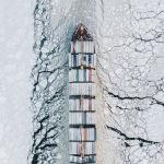 Фин шығанағындағы қар құрсауында жүзіп келе жатқан сауда кемесін ресейлік Александр Сухарев таспаға түсіріп алған. Оны қазылар алқасы Transportation аталымында жеңімпаз деп таныды.