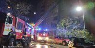 Пожарные не могли установить автолестницу из-за припаркованных авто