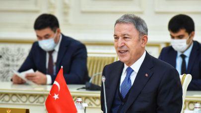 Министр обороны Турции Хулуси Акар прибыл с официальным визитом в Казахстан