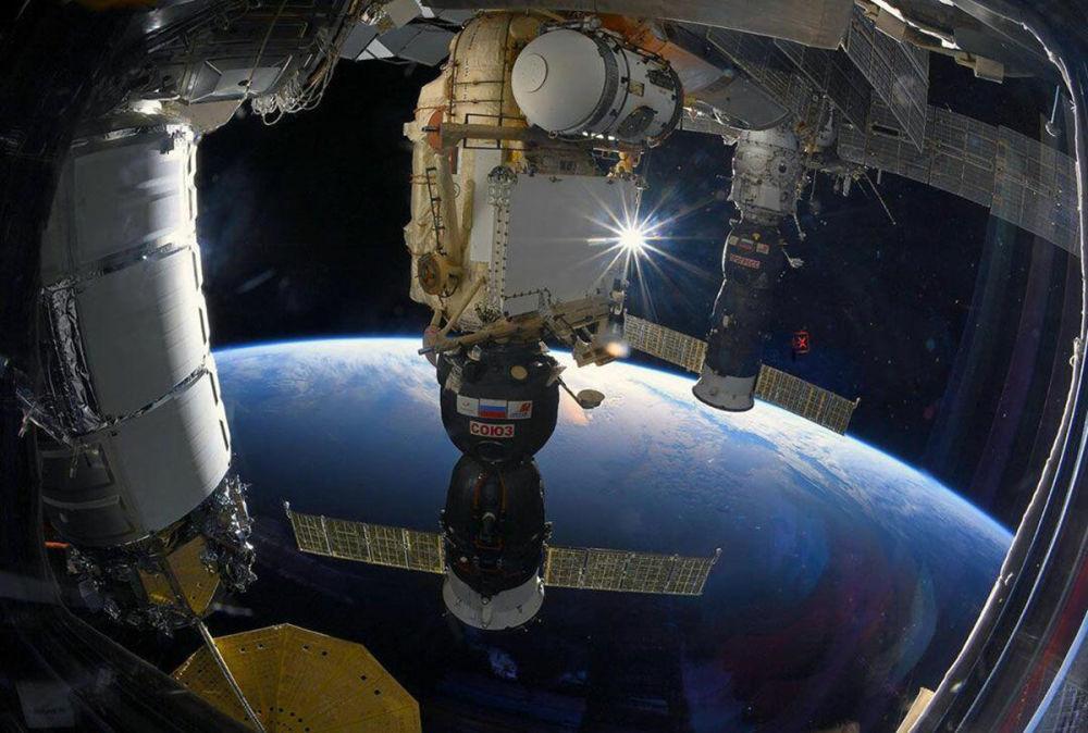 Халықаралық ғарыш станциясындағы Союз МС ғарыш кемесі.