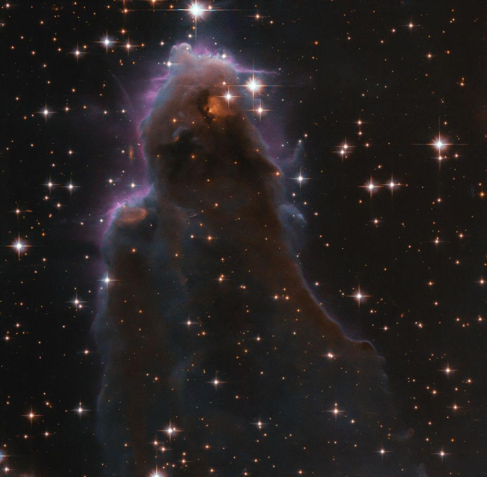 Қарақұрт шоқжұлдызындағы J025157.5+600606 нысаны. Бұл суретте өте әдемі және тылсым дүние бейнеленген.