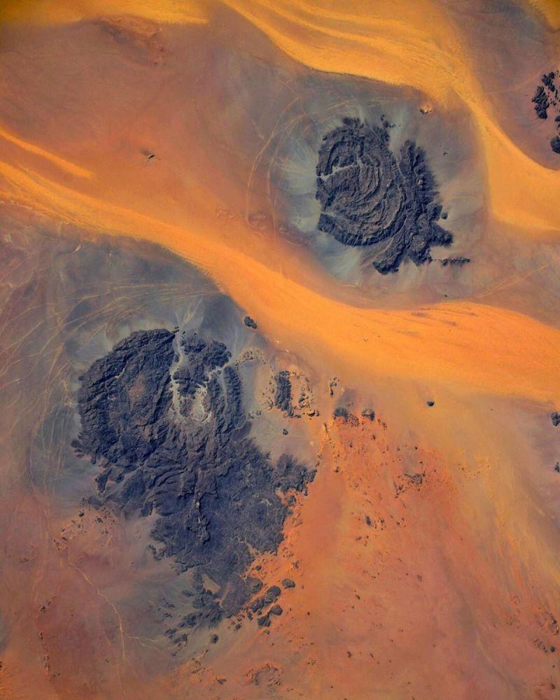 ХҒС бортынан орыс ғарышкері Иван Вагнердің фотокамерасына іліккен Сахара шөлі. Ғарыштан түсірілген тамаша көрініс!