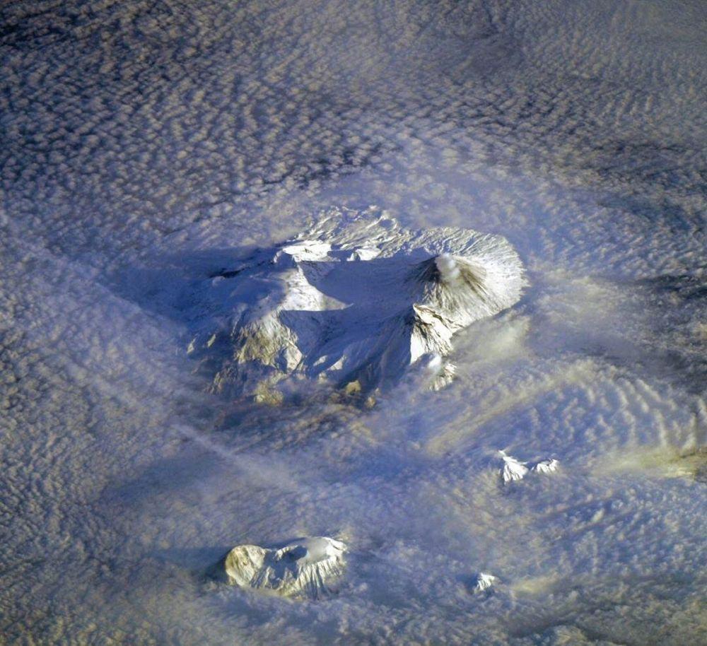 Халықаралық ғарыш станциясынан түсірілген Камчаткадағы жанартаулар.