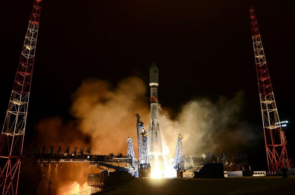 Глонасс-К жүйесінің жаңа буын ғарыш аппаратымен Союз-2 зымыран тасығышының ұшырылуы.