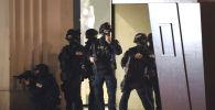 Полицейские на месте теракта в Вене